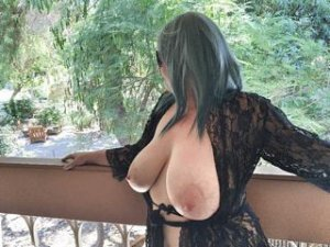 Ysaline nature escorts in Pleasant Hill