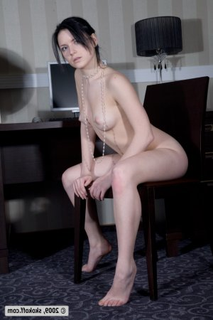 Lyncee facesitting escorts in Roseville, MN